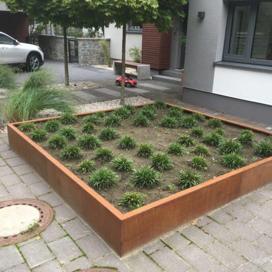 Umgestaltung Vorgarten und hinterer Gartenbereich